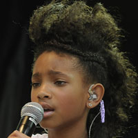 Willow Smith 'Rock Star' – first snippet