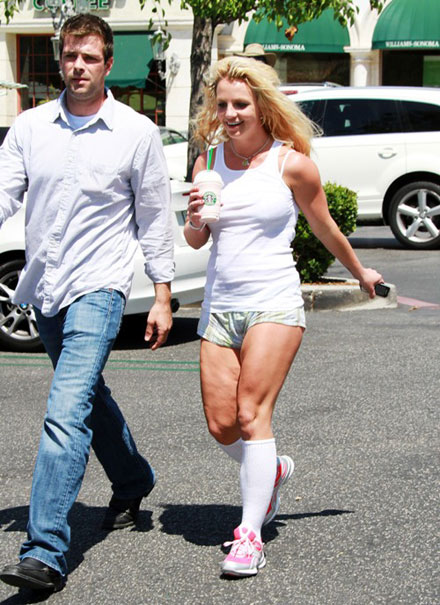 Britney Spears hsows her cellulite
